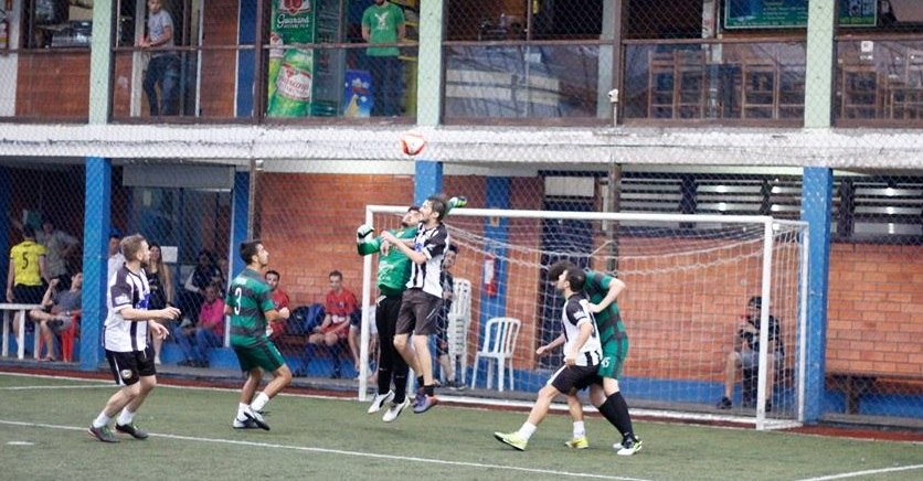 Copa Braçadeira  quatro times brigam por duas vagas nas semifinais ... a2550d91c2796