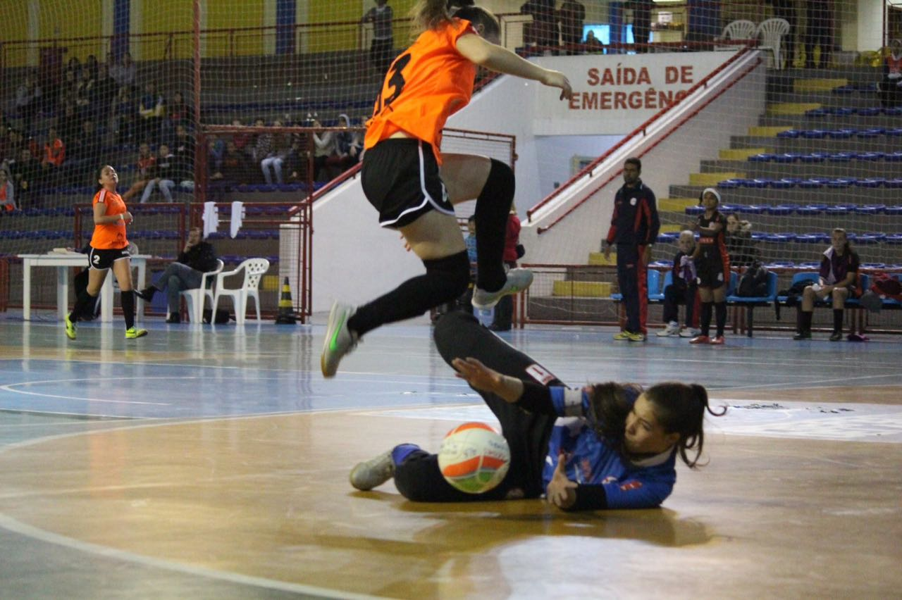 Goleira revelada por Joinville é contratada pelo Cianorte Futsal ... 0c1ebe834d9bb